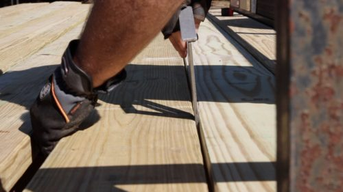 spacing the deck boards
